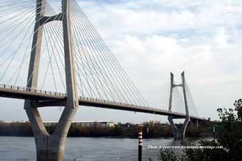 Le recyclage de l 39 acier eddedd - Premier pont a haubans ...